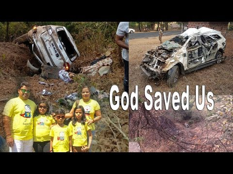 FORD ENDEAVOUR CRASHES DOWN 400 FEET, KEEPING FAMILY SAFE. 6 AIR BAGS INFLATED