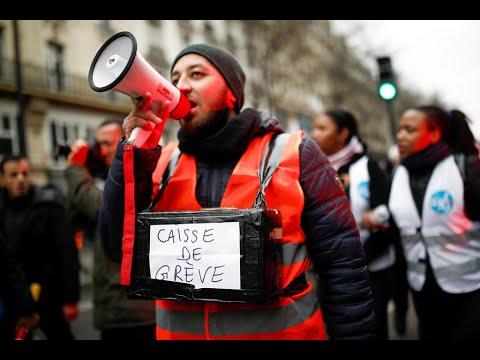 فرنسا: النقابات تواصل إضرابها وتؤكد أن خطاب ماكرون -لم يقدم أي جديد-  - 08:59-2020 / 1 / 2