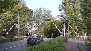Spoorwegovergang Groningen // Dutch railroad crossing