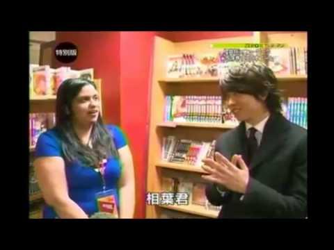 Sho Interviews a fan in NY