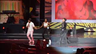 Seyi Shay falls on stage at AFRIMA 2017