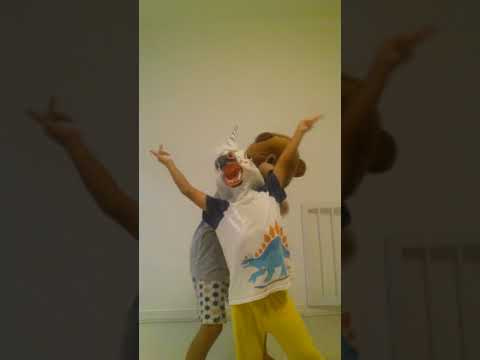 Vlog 1: dançando de cabeça de cavalo vale a pena ver 😂😂😂😂