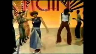 Soul Train Line Dance YOU SHOULD BE DANCING by Bee Gees.flv