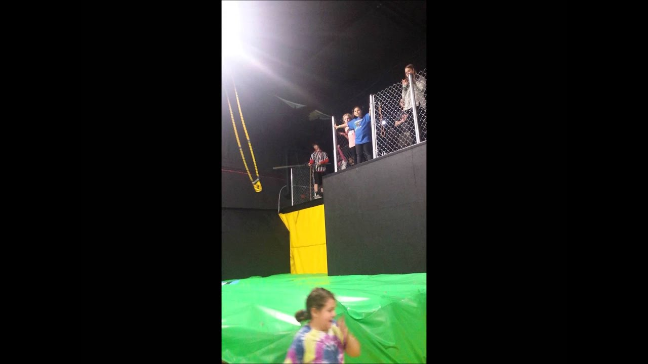 max air trampoline park girl scouts jump into cookie sales. Black Bedroom Furniture Sets. Home Design Ideas