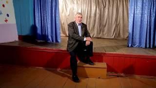 Поет Владимир Евтодеев