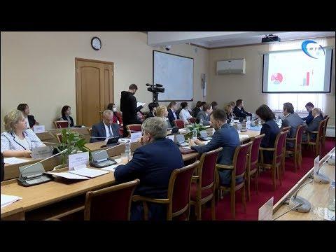 Заседание Правительства Новгородской области началось с обсуждения ситуации в Окуловке