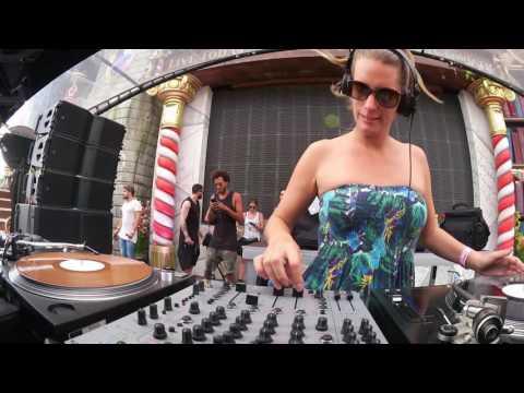 Tomorrowland Belgium 2016 | Sonja Moonear