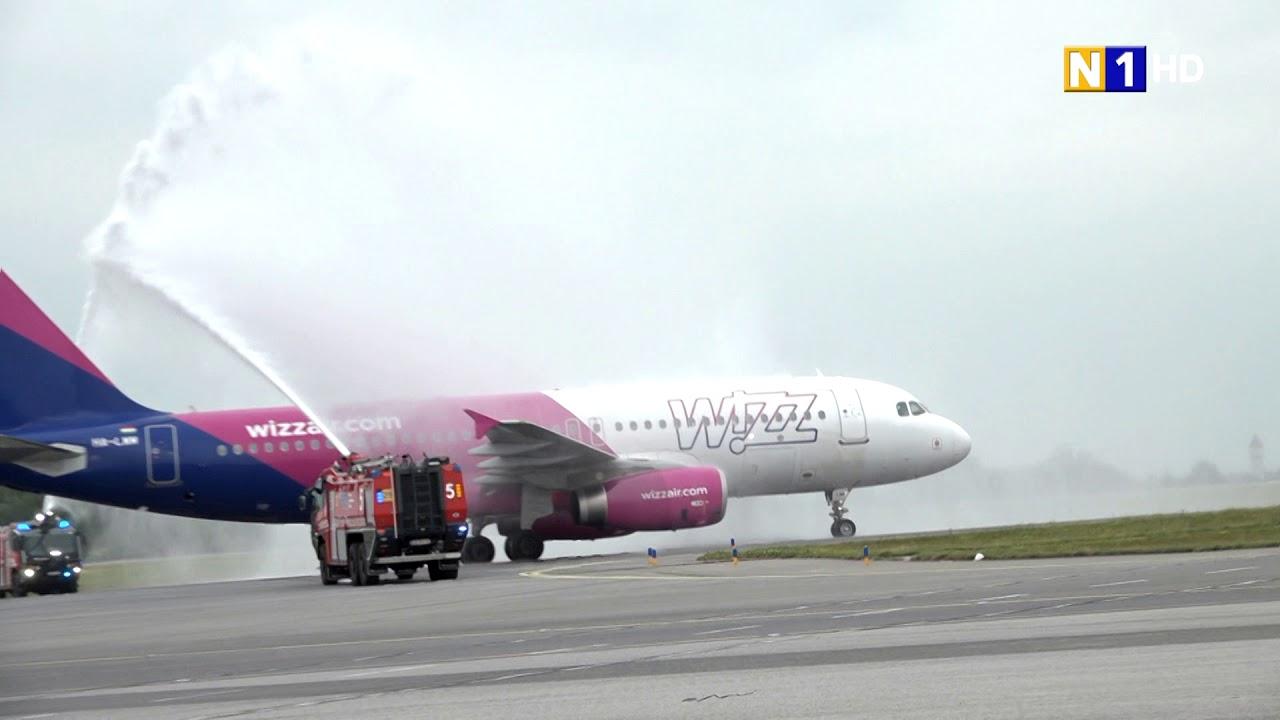 Wizz Air Am Flughafen Wien Schwechat Youtube