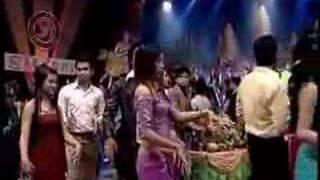 Srey Khmer Reeng Rey - Meng Keo Pich Chenda