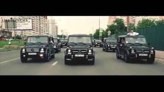 Выпускники Академии ФСБ прокатились по Москве на 30