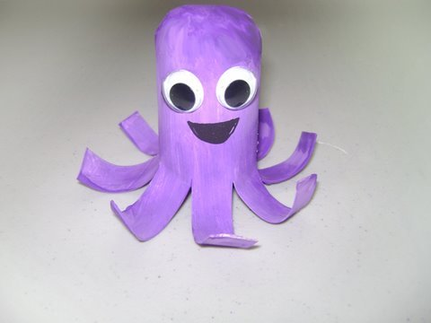 How to make a toilet paper octopus simplekidscrafts for Easy art and craft