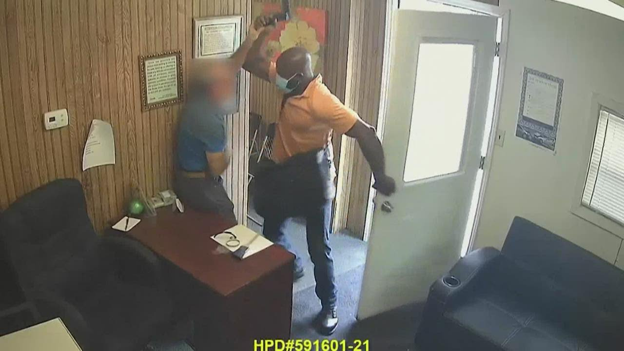 Video shows Houston business owner brutally assaulted with crowbar