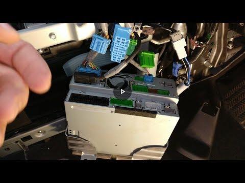 D. I. Y. Honda Elysion RR5/RR6 Fm Band Expander Install. Mirror Link/TV Enable.