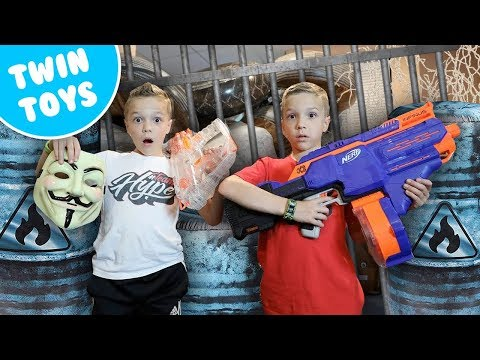 Nerf War : Kidz Squad Uses BUNKR to Capture the GAME MASTER - Видео онлайн