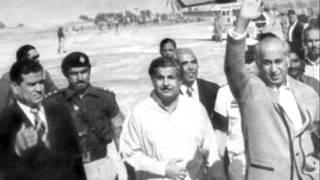 Zulfikar Ali Bhutto's bilingual speech at Sukkur(Sindh) on language riots (25-7-1972)Part 2.wmv