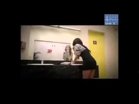 Скрытая камера с молоденькой порно онлайн