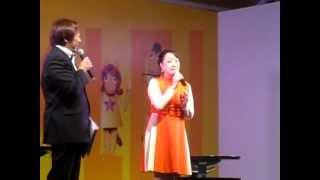 2012年11月14日(水)、大井競馬場のトークショーゲストとして麻丘めぐ...