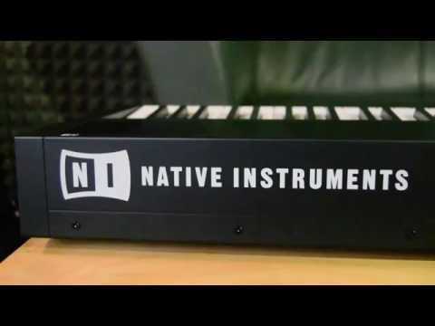Native Instruments Komplete Kontrol S88 - What is in the box? Unboxing of new arrival.