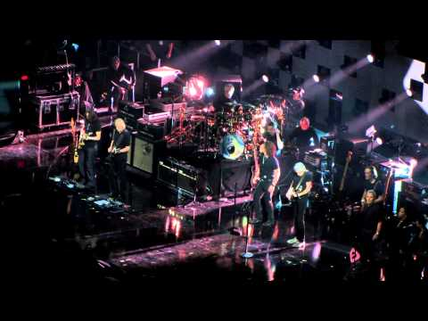 Roger Waters - Money (12-12-12: The Concert for Sandy Relief, New York, NY, USA)