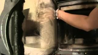 Jak umyć (czyścić) zakopconą szybę w kominku?