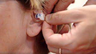Musik und Natur genießen mit perfekt angepassten Im-Ohr-Hörgeräten.