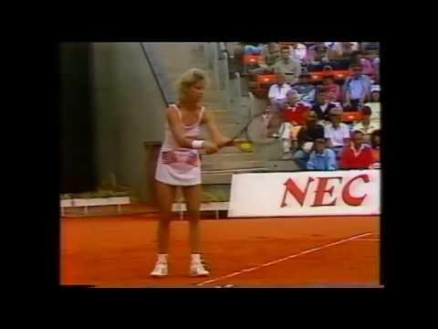 Chris Evert Lloyd vs Bettina Bunge 1986 Federation Cup 2/3