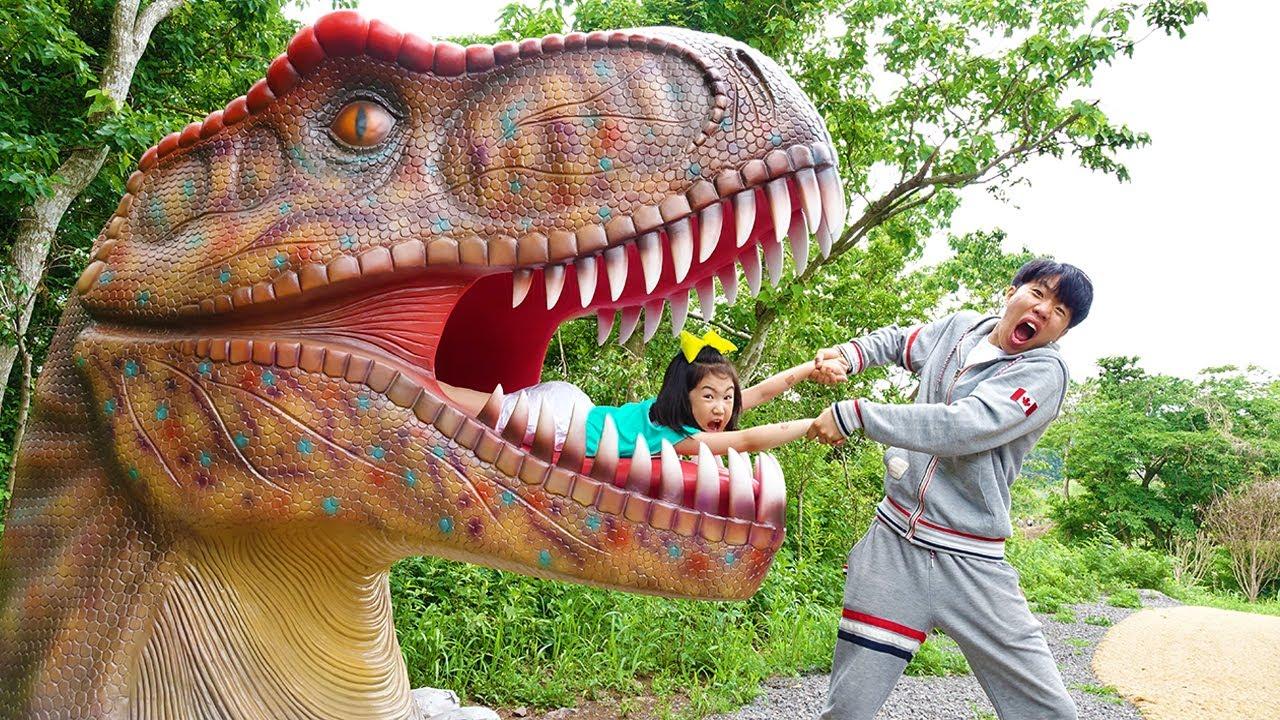 Download Boram et DDochi jouent à Dinosaure Musée pour les enfants