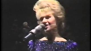 Elaine Paige -Nobody