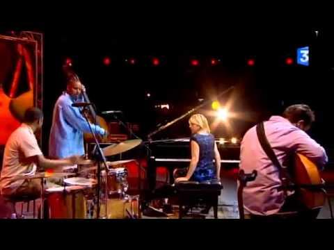 Diana Krall - Temptation (Live @ Jazz a Vienne 2010)