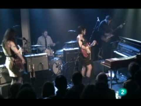 TELL YOUR MAMA ~ NORAH JONES live at Ancienne Belgium 2010