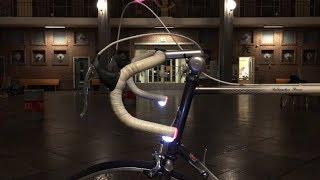 De ontwikkeling van een geïntegreerde knipperlichtinstallatie voor racefietsen. | KNAW |