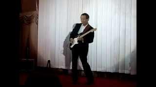 泣きのギターをお楽しみください。 fenderストラト・ブラッキー・カスタ...