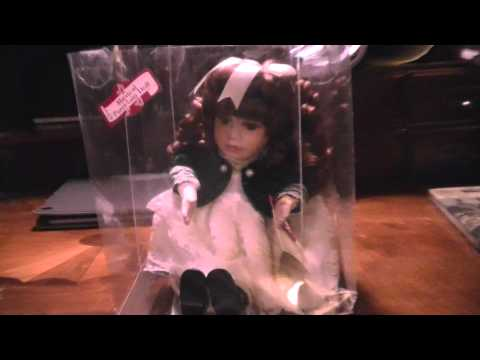 COLLECTOR'S CHOICE ANIMATED MUSICAL DOLL