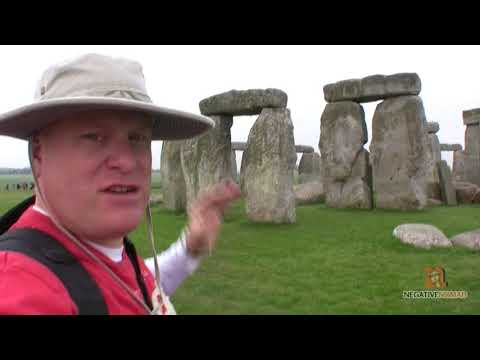 Stonehenge Tour & Review