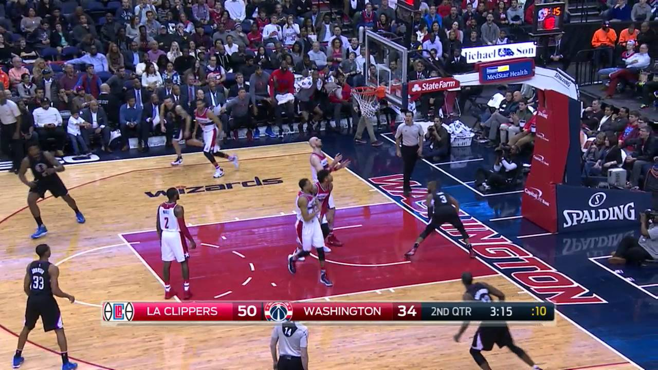 Chris Paul Drives the Lane for the Dunk ...