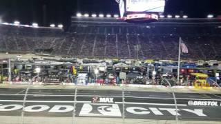 Start of the 2016 Bass Pro Shops Night race at Bristol Motor Speedway