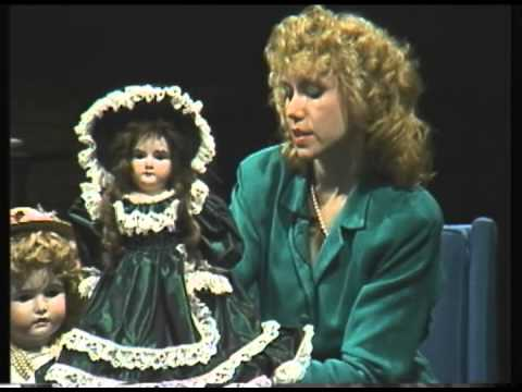Backstage Antiques: Dolls