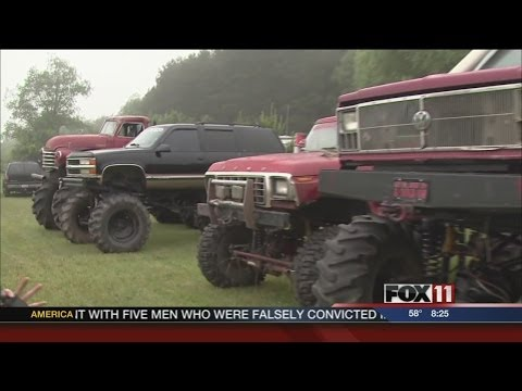 Big Fat Redneck Wedding - Earl's Bachelor Party from YouTube · Duration:  4 minutes 18 seconds