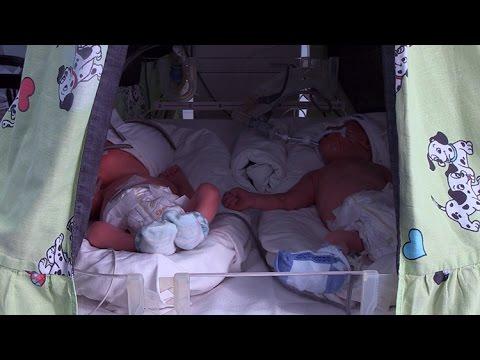 В Житомирском роддоме женщина ожидала двойню, а родила тройню
