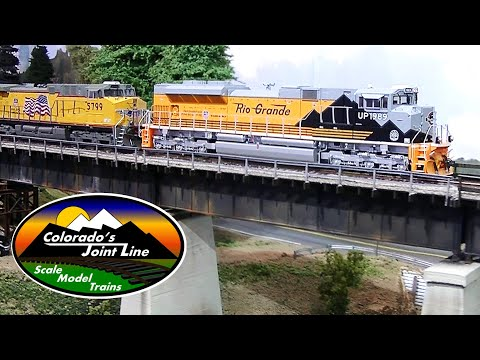 Modern Model Train Action -  Model Railroad Layout Ops Session w/ BNSF and UP