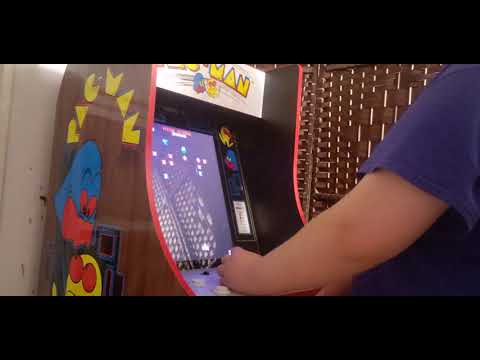 reviewing a arcade1up pac man 40th anniversary edition from danny boy09