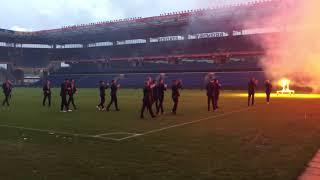 Brøndby spiller ankommer på Stadion efter derby sejr