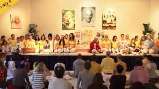 Yogateacher chant  Shivaya Parameshwaraya