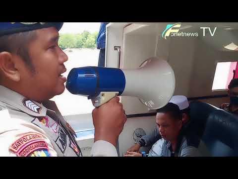 Video : Petugas Polairud Semprot Disinfektan ke Penumpang Hingga Kearea Kapal Pelabuhan Bagansiapiapi