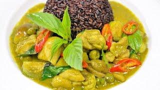 Stir Fried Green Chicken Curry (Thai Food) – Pad Khiao Wan Kai ผัดเขียวหวานไก่