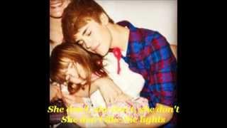 Justin Bieber - She Don't Like The Lights [Lyrics] ♥