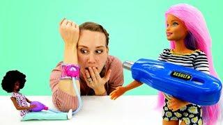 Барби ухаживает за Машей. Мультик Барби. Видео для девочек