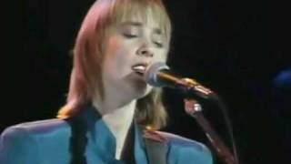 Suzanne Vega - Straight Lines (Live @Royal Albert Hall 1986)