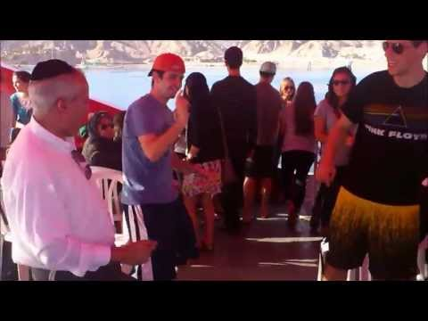 Rabbi Bryks brings Bar Ilan group on Party Boat in Eilat
