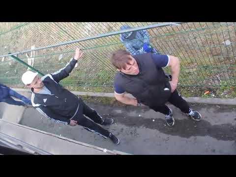 """В Ломоносове """"папаша"""" избил парня за курение на территории скейт-парка"""